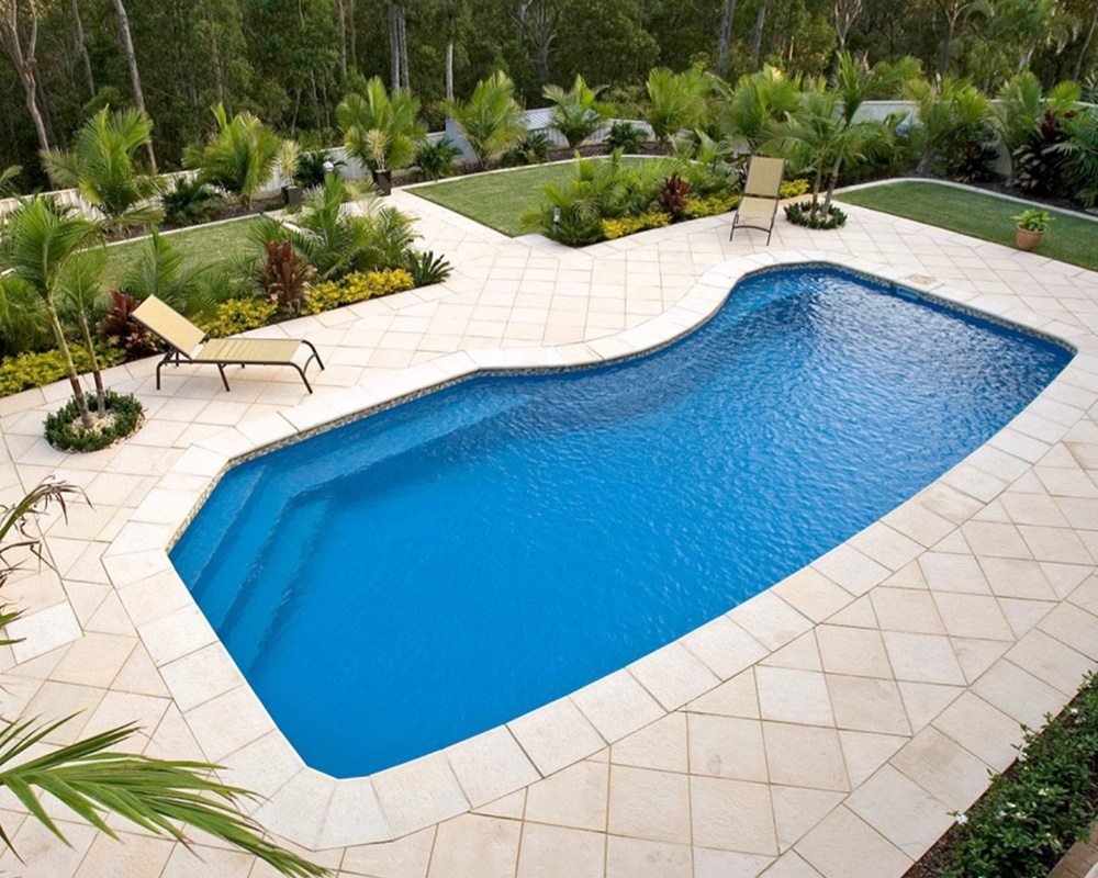 DIY Swimming Pools' Belmont 7 Crystal Sapphire Pool Design